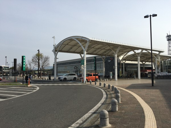 岐阜から京都へ高速道路で移動する。