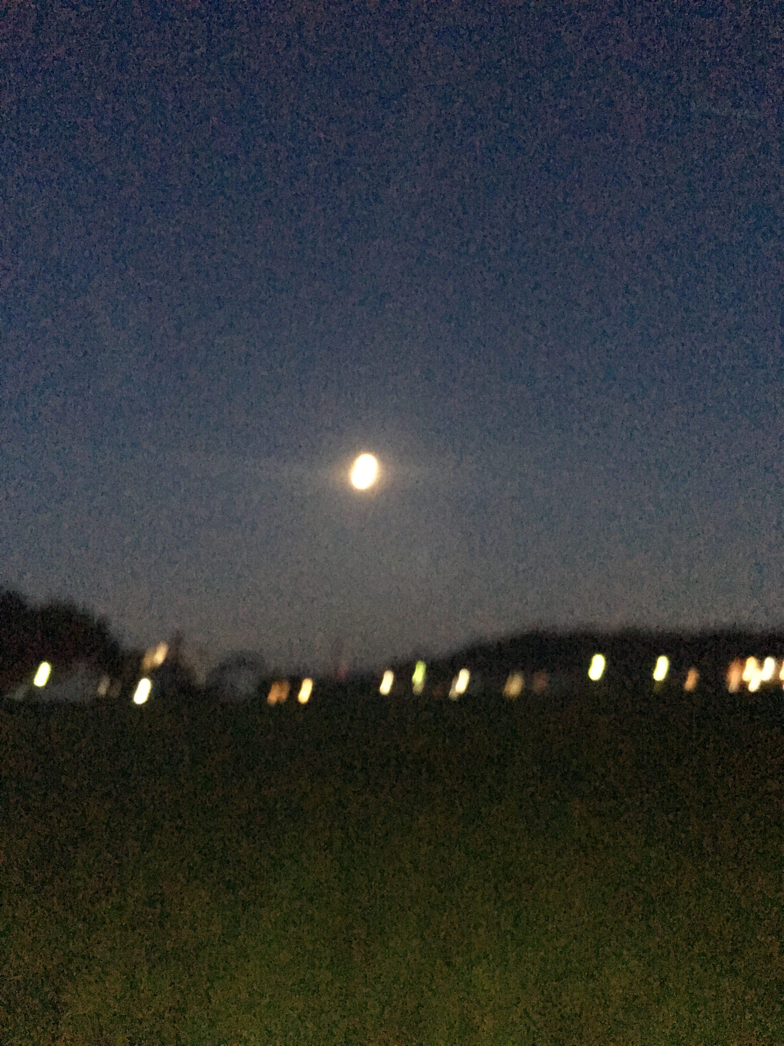 満月を写真に撮る。