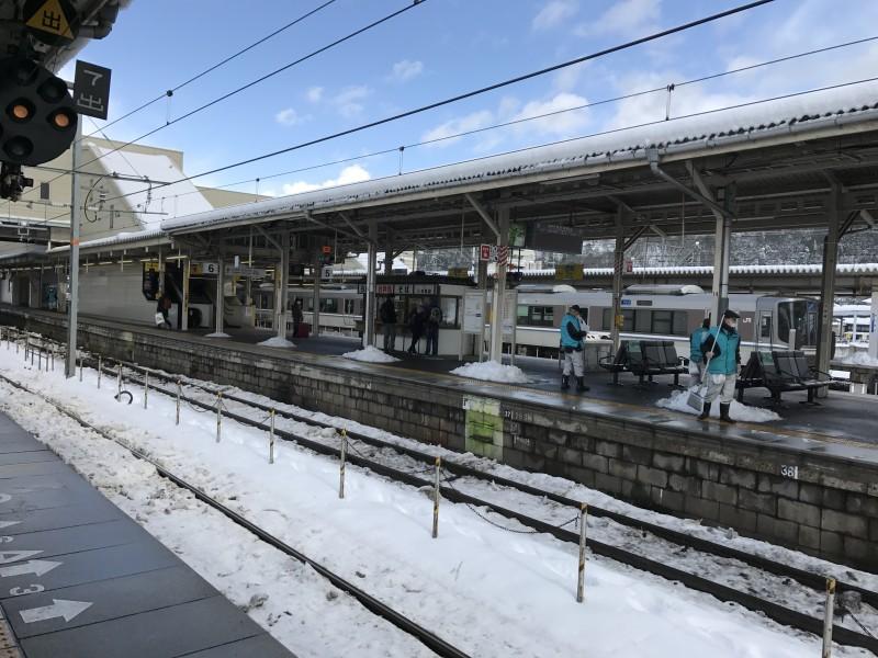 特急しらさぎに乗って岐阜に戻る。